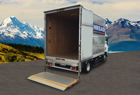 tail-lift-truck-Hireace-Auckland-605