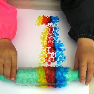 How To Do Bubble Wrap Roller Painting At Home With The Kids